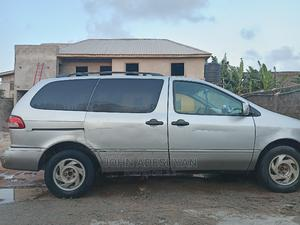 Toyota Sienna 2002 XLE Silver   Cars for sale in Lagos State, Victoria Island