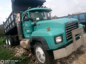 Mack Rd Tipper Normal 24 Valve Engine | Trucks & Trailers for sale in Abia State, Aba North