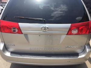 Toyota Sienna 2008 Silver | Cars for sale in Lagos State, Surulere