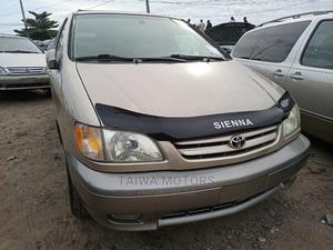 Toyota Sienna 2000 XLE & 1 Hatch Gold | Cars for sale in Lagos State, Apapa