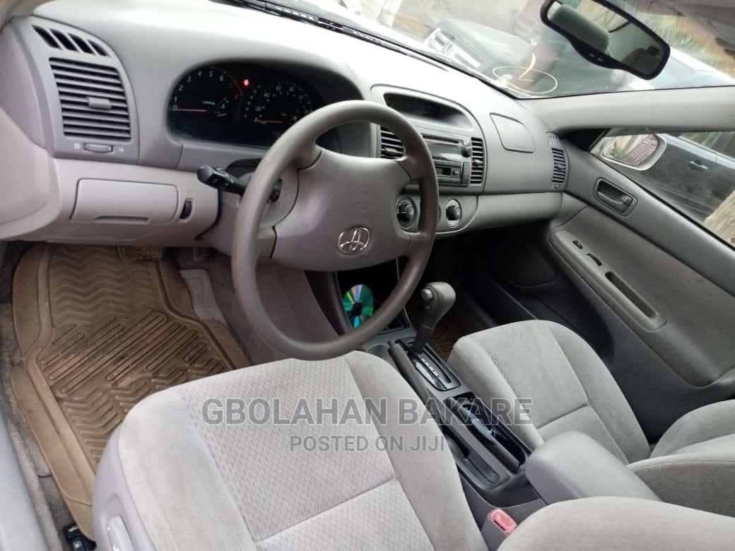 Archive: Toyota RAV4 2010 3.5 Limited Gray