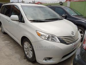 Toyota Sienna 2011 LE 8 Passenger White   Cars for sale in Lagos State, Ikeja