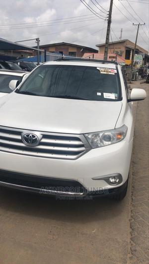 Toyota Highlander 2012 Hybrid White   Cars for sale in Lagos State, Mushin