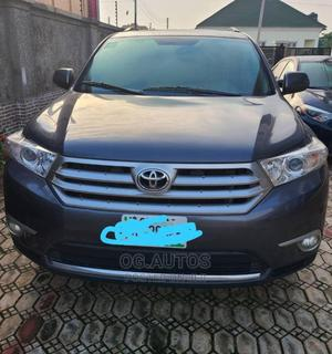Toyota Highlander 2013 Plus 3.5L 4WD Gray   Cars for sale in Abuja (FCT) State, Wuse 2