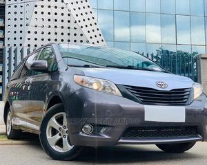 Toyota Sienna 2012 LE 8 Passenger Gray | Cars for sale in Abuja (FCT) State, Garki 2