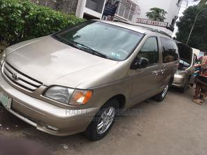 Toyota Sienna 2003 LE Gold | Cars for sale in Lagos State, Surulere