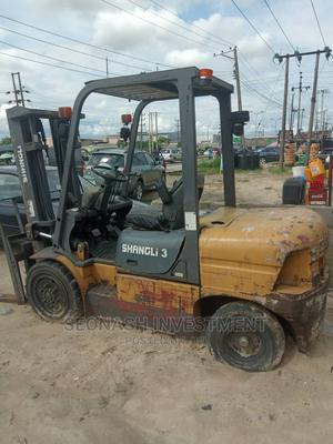 3.5 Tons Shangli Forklift.   Heavy Equipment for sale in Delta State, Warri