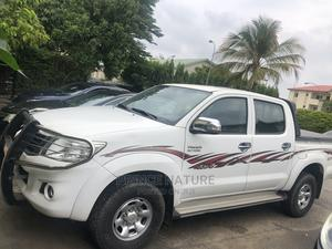 Toyota Hilux 2014 SR5 BLACK 4x4 White   Cars for sale in Abuja (FCT) State, Wuse 2