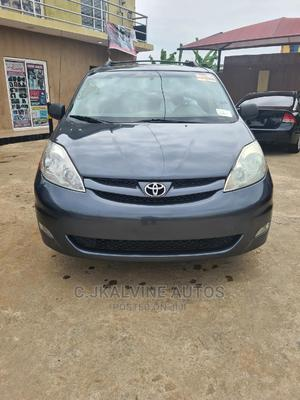 Toyota Sienna 2006 XLE AWD Gray | Cars for sale in Lagos State, Abule Egba