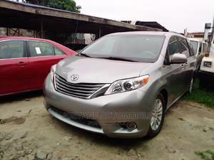 Toyota Sienna 2011 XLE 7 Passenger Silver   Cars for sale in Lagos State, Amuwo-Odofin