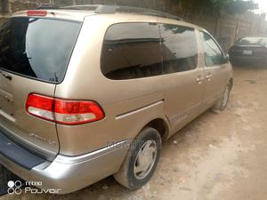 Toyota Sienna 2002 LE Gold | Cars for sale in Lagos State, Ojo