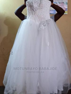 USA Size 6 Tube Ball Wedding Gown With Bolero | Wedding Wear & Accessories for sale in Lagos State, Shomolu