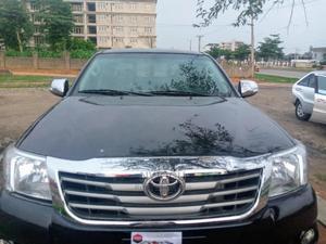 Toyota Hilux 2010 2.0 VVT-i Black | Cars for sale in Abuja (FCT) State, Gudu