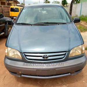 Toyota Sienna 2002 LE Blue | Cars for sale in Lagos State, Ipaja