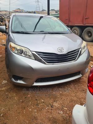 Toyota Sienna 2011 LE 8 Passenger Silver | Cars for sale in Lagos State, Abule Egba