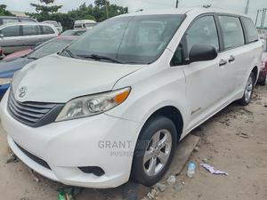 Toyota Sienna 2013 XLE AWD 7-Passenger White | Cars for sale in Lagos State, Apapa