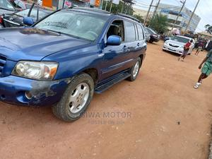 Toyota Highlander 2004 Limited V6 4x4 Blue | Cars for sale in Lagos State, Abule Egba