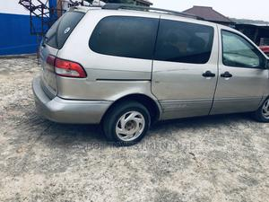 Toyota Sienna 2002 LE Gold   Cars for sale in Lagos State, Ikorodu