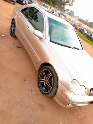 Mercedes-Benz C240 2009 Gold | Cars for sale in Abuja (FCT) State, Gwarinpa