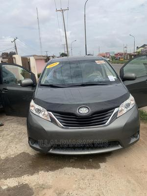 Toyota Sienna 2013 LE AWD 7-Passenger Green | Cars for sale in Lagos State, Ikeja