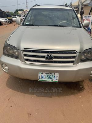 Toyota Highlander 2004 Limited V6 FWD Gold | Cars for sale in Imo State, Owerri