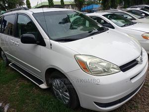 Toyota Sienna 2005 White | Cars for sale in Abuja (FCT) State, Garki 2