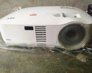 VT58 Ultral Projector   TV & DVD Equipment for sale in Abuja (FCT) State, Wuse