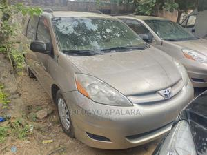 Toyota Sienna 2008 XLE Gold | Cars for sale in Lagos State, Alimosho
