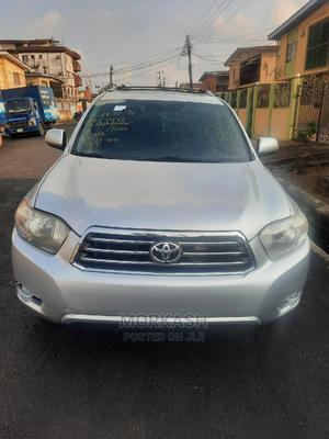 Toyota Highlander 2009 Sport 4x4 Silver | Cars for sale in Lagos State, Isolo