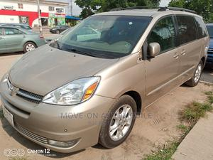 Toyota Sienna 2005 XLE Limited Gold | Cars for sale in Lagos State, Amuwo-Odofin