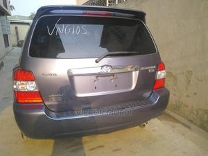 Toyota Highlander 2006 Hybrid 4x4 Blue | Cars for sale in Lagos State, Abule Egba