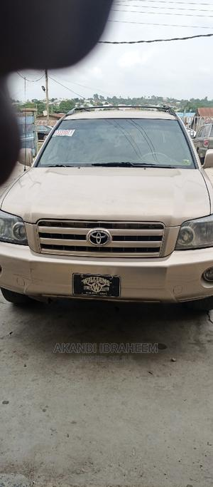 Toyota Highlander 2005 V6 4x4 Gold | Cars for sale in Oyo State, Ibadan