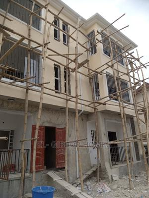 Mini Flat in Golden Pearl Estate, Off Lekki-Epe Expressway for Rent | Houses & Apartments For Rent for sale in Ajah, Off Lekki-Epe Expressway