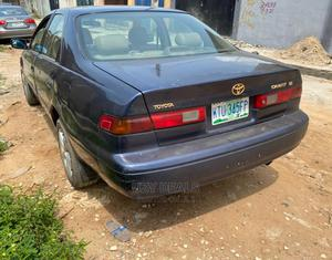 Toyota Camry 1999 Automatic Blue | Cars for sale in Lagos State, Isolo