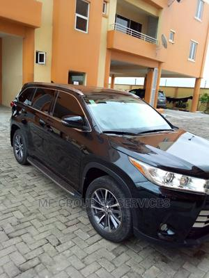 Toyota Highlander 2018 XLE 4x4 V6 (3.5L 6cyl 8A) Black | Cars for sale in Lagos State, Yaba