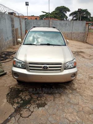 Toyota Highlander 2004 Limited V6 FWD Gold | Cars for sale in Lagos State, Ikeja
