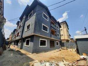 3bdrm Apartment in Avenue Bus Stop, Isolo for Rent   Houses & Apartments For Rent for sale in Lagos State, Isolo
