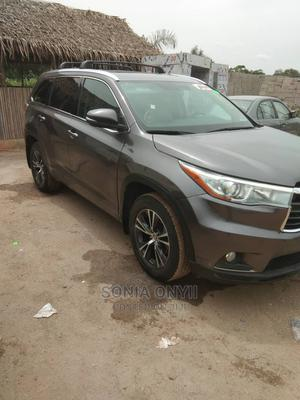 Toyota Highlander 2016 XLE V6 4x4 (3.5L 6cyl 6A) Brown | Cars for sale in Lagos State, Ikeja