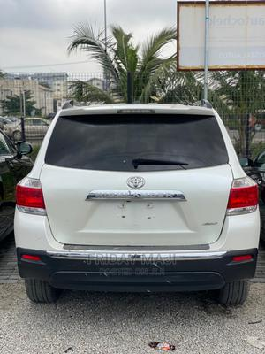 Toyota Highlander 2013 Limited 3.5l 4WD White   Cars for sale in Lagos State, Ajah