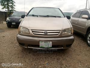 Toyota Sienna 2002 LE Gold   Cars for sale in Abuja (FCT) State, Central Business Dis