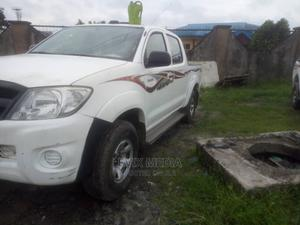 Toyota Hilux 2010 2.7 VVT-i 4X4 SRX White   Cars for sale in Delta State, Warri