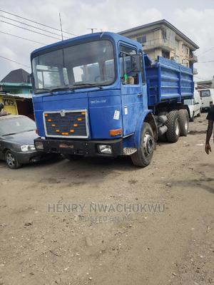 Tokunbo Man Tipper 10tyres 2000 | Trucks & Trailers for sale in Lagos State, Apapa