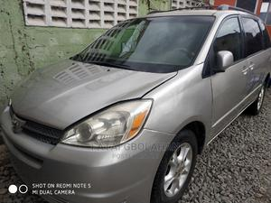 Toyota Sienna 2005 Gray | Cars for sale in Lagos State, Agege