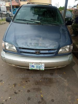 Toyota Sienna 2000 XLE & 1 Hatch Blue | Cars for sale in Osun State, Osogbo