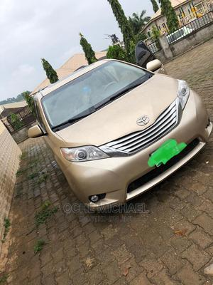 Toyota Sienna 2014 Gold | Cars for sale in Abuja (FCT) State, Galadimawa