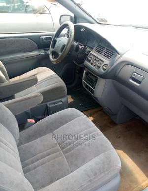 Toyota Sienna 2000 LE & 1 Hatch Green | Cars for sale in Delta State, Warri