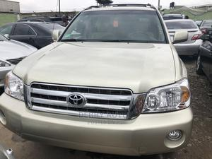 Toyota Highlander 2002 Gold   Cars for sale in Lagos State, Agege