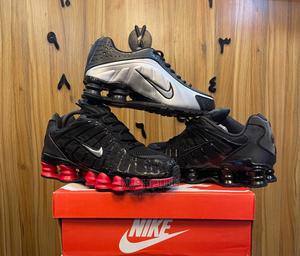 Nike Shox TL //Black /Red Wing Tip Sneakers   Shoes for sale in Lagos State, Lagos Island (Eko)