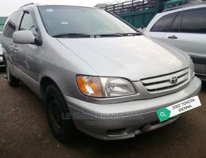 Toyota Sienna 2002 Silver | Cars for sale in Abuja (FCT) State, Nyanya
