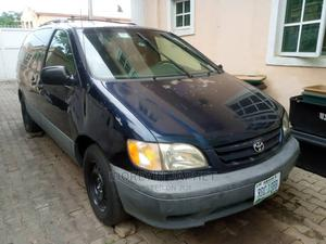 Toyota Sienna 2001 LE Blue   Cars for sale in Abuja (FCT) State, Gwarinpa